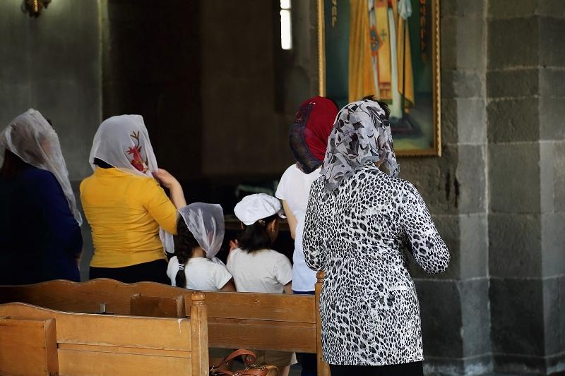 20 Sonia Costa_Back to religion