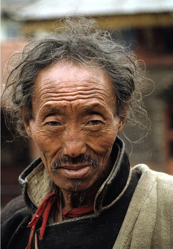 ritratto di anziano tibetano Cina popoli