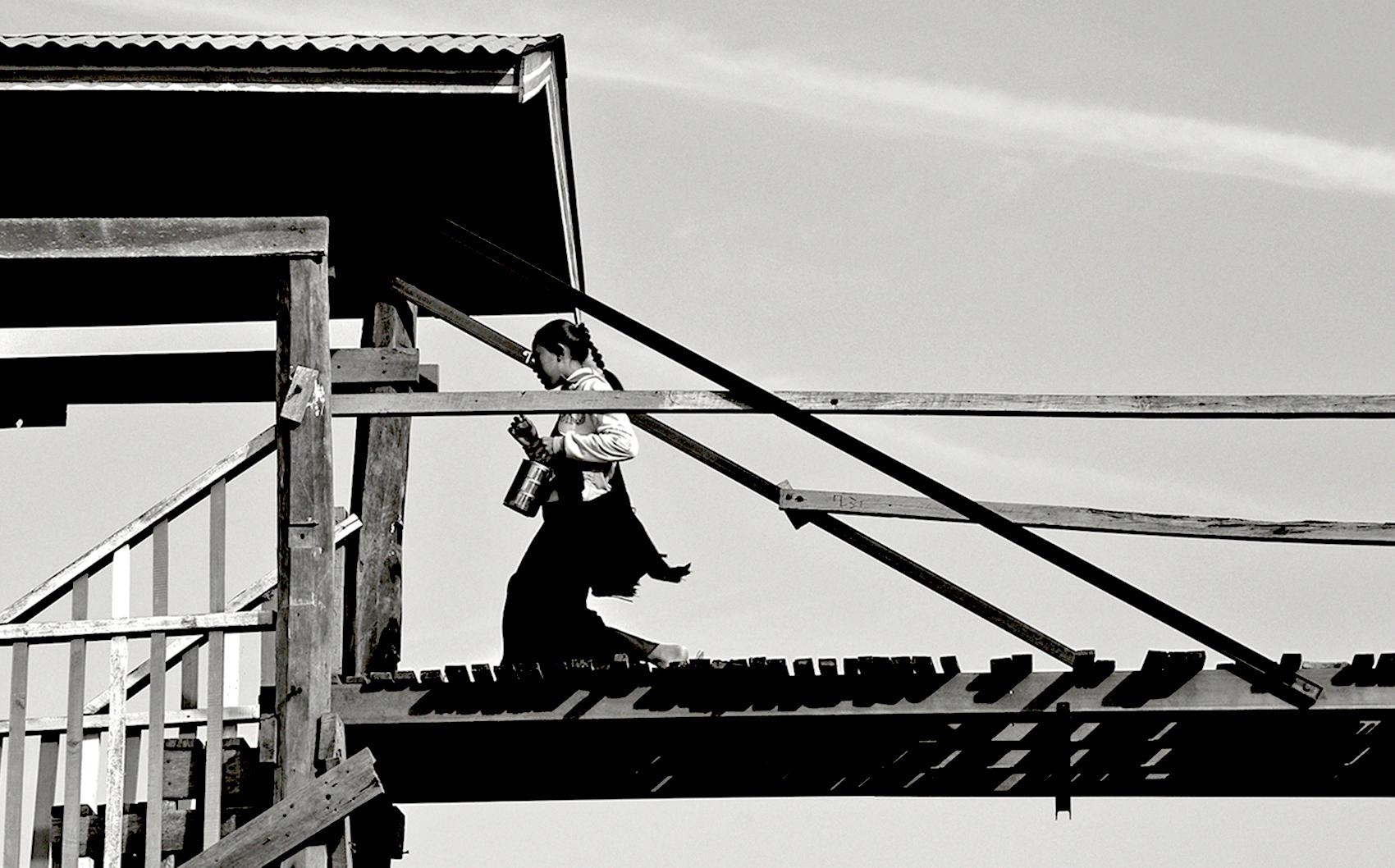 MISURE GIUSTE Sonia Costa_ The girl on the bridge