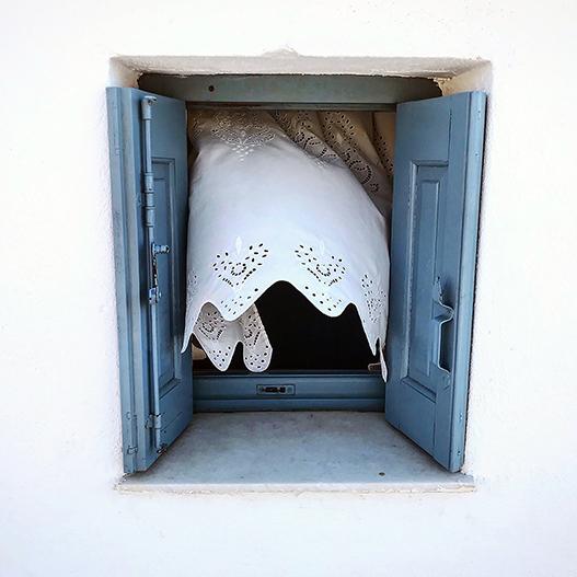 Copertina Sonia Costa _ White curtain